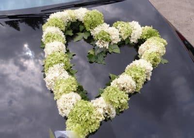 4-Hochzeitsauto-Blumen