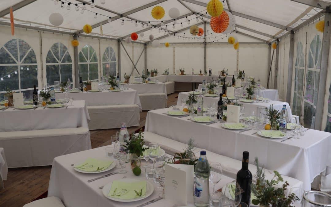 Herrliches Hochzeit Catering im Garten in Ettlingen